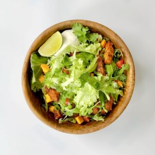 Northern Crunch tofu taco salad. . . . #indoorfarming #shortenthesupplychain #ottawa #ottawafood #yow